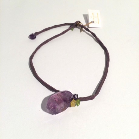 Lila silk necklace with amethyst