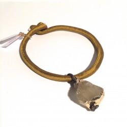 Golden necklace wit citrine quartz