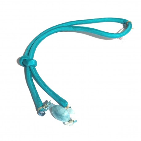 Torquoise silk necklace wit acquemarine